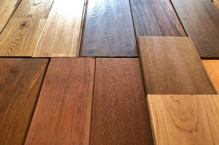 床やデッキの木材サンプル