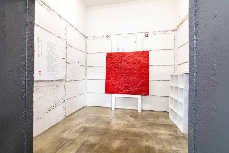 現代芸術家・松尾栄太郎さんによるORIZURU PROJECTの作品がディスプレイ
