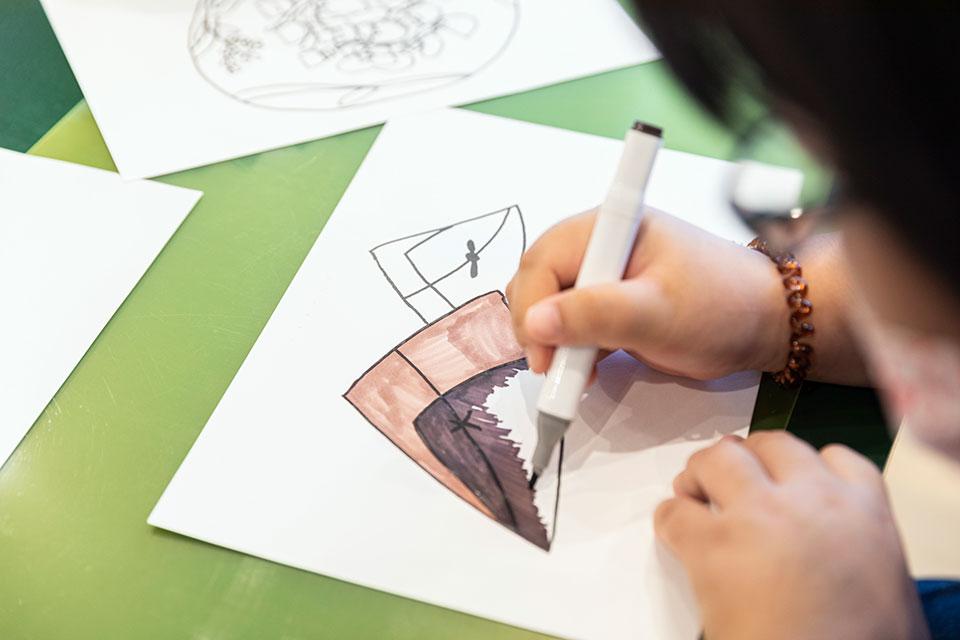 長崎県大村市 L VILLAGE(エル・ビレッジ)長崎県大村市 L VILLAGE(エル・ビレッジ) アートという表現を通して、社会とのつながりを生み出していくことを目指す。